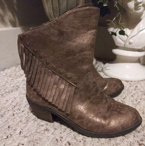 Like New Stevies Copper Metallic Fringe Ankle Boot